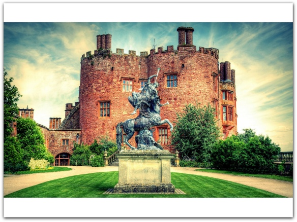 Powis Castle, Welshpool, Powys, Wales, UK photo by Cluke.