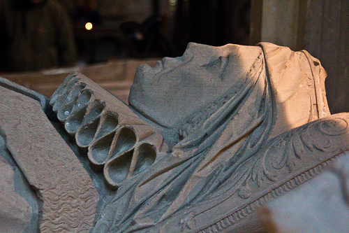 Helena's effigy which has a coronet, Salisbury Cathedral.