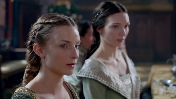 "Lady Anne (Faye Marsay) and Lady Isabel (Eleanor Tomlinson) in ""The White Queen""."